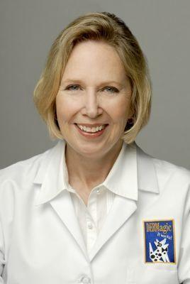 La dottoressa Adelia Ritchie discute sui problemi della pelle del cane